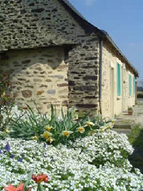 Holiday House in Parné-sur-Roc (Mayenne) or holiday homes and vacation rentals