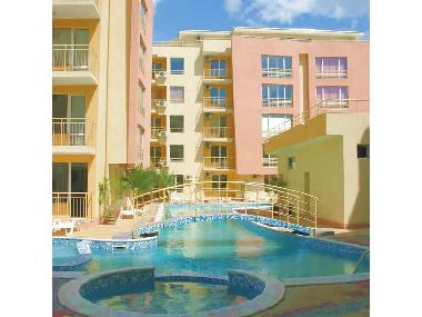 Sunny Beach Apartment Complex Pool + Jacuzzi