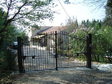 Holiday House in Uzes (la Capelle-Masmolene) (Gard) or holiday homes and vacation rentals