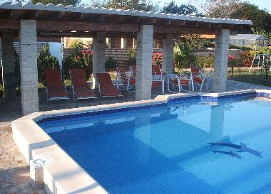 Bed and Breakfast in J.A Sandivar (Asuncion) or holiday homes and vacation rentals