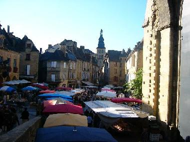 Medieval sarlat and the Market