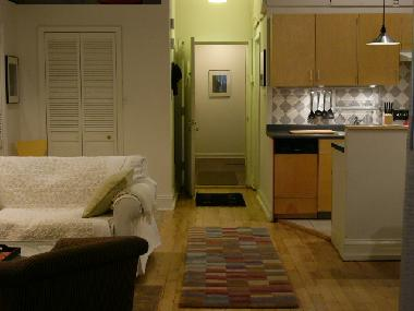 apt 1 view to kitchen and entrance