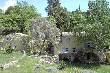 Holiday House in Goudargues (Gard) or holiday homes and vacation rentals