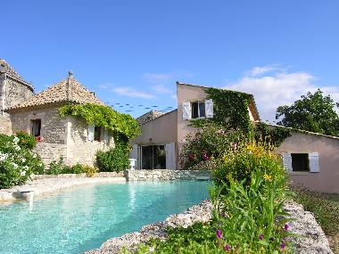 Holiday House in GRIGNAN Chamaret (Drôme) or holiday homes and vacation rentals