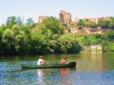 canoe on the Dordogne river with a picnic, great day out !!