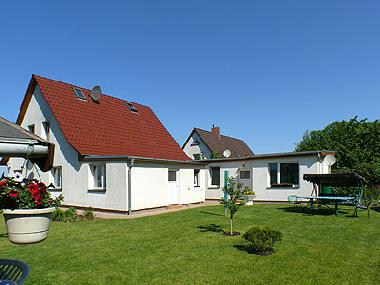 Holiday Apartment in Altenkirchen/Drewoldke (Ostsee-Inseln) or holiday homes and vacation rentals