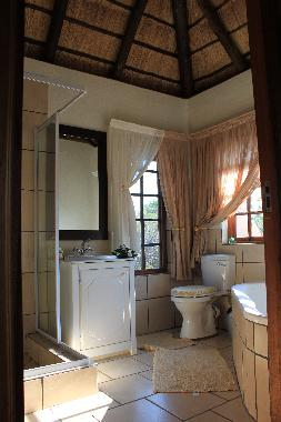 Bathroom No. 4 en suite