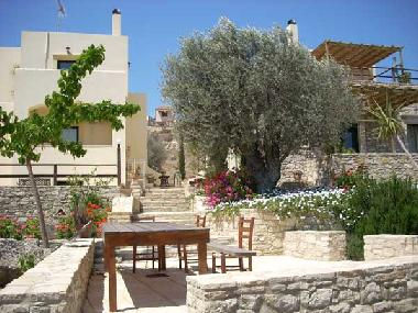 Holiday House in Sivas (Irakleio) or holiday homes and vacation rentals