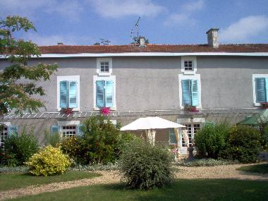 Bed and Breakfast in Souvigne (Deux-Sèvres) or holiday homes and vacation rentals
