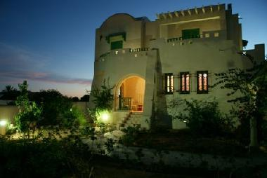 Bed and Breakfast in Midoun (Madanin) or holiday homes and vacation rentals