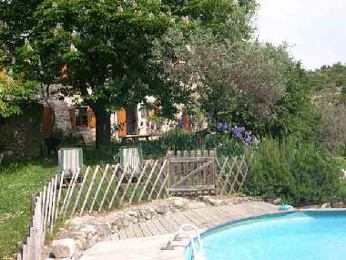 Holiday house saint ambroix magnifique mas ancienne for Camping rhone alpes avec piscine