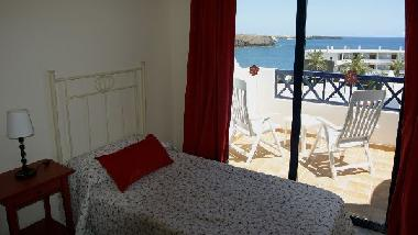 Twin bedroom with views to the atlantic