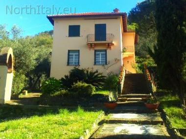 Holiday villa with pool Levanto Liguria Italy