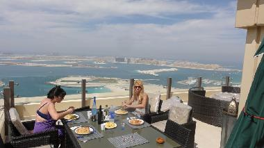 large terrace whit jumeirah pal view