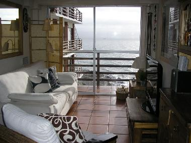 OHR - Full living room with ocean views
