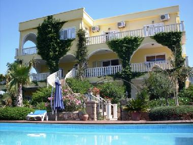 Holiday House in Alsancak (Kyrenia) or holiday homes and vacation rentals