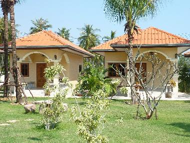 Hotel in Hua Tan Taew (Prachuap Khiri Khan) or holiday homes and vacation rentals