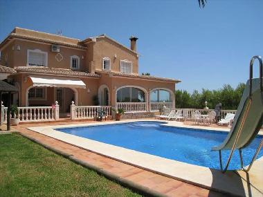 Villa in Calpe (Alicante / Alacant) or holiday homes and vacation rentals