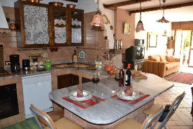 The well equipped kitchen in this apartment in villa (Basilicata - Southern Italy)