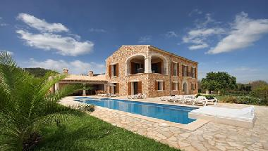 Villa in Cala d'Or (Mallorca) or holiday homes and vacation rentals