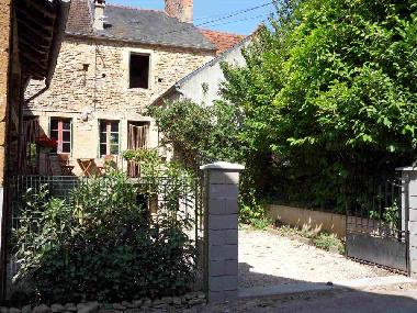 Holiday House in Saint Pere (Yonne) or holiday homes and vacation rentals