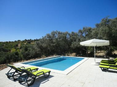 GARDEN WITH SUNBATHING TERRACE AND PRIVATE POOL