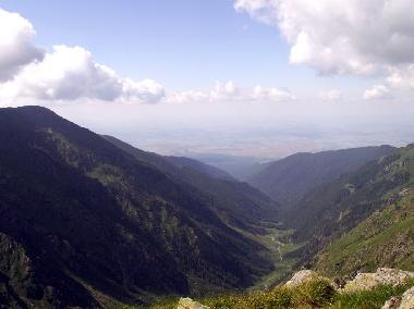 The vastness of the valley (Sibiu, Transylvania, Romania)