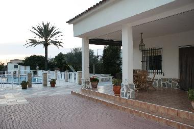 Chalet in Crevillente (Alicante / Alacant) or holiday homes and vacation rentals