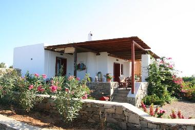 Holiday House in AMPELAS (Kyklades) or holiday homes and vacation rentals