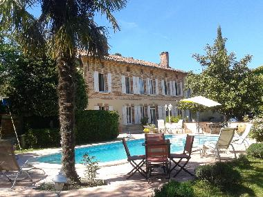 Holiday House Gaillac Toulza Large Country House With Swimming Pool For Rent Holiday House