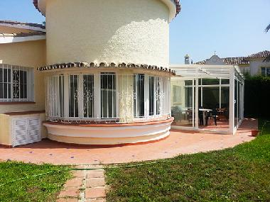 Chalet in Estepona (Spain) or holiday homes and vacation rentals