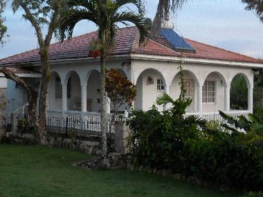 Holiday House in Claremont (Saint Ann) or holiday homes and vacation rentals