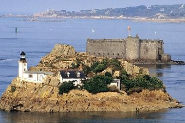 Holiday House in saint pol de leon (Finistère) or holiday homes and vacation rentals