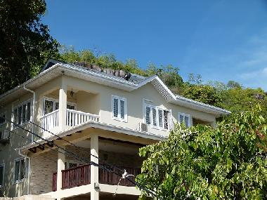 Holiday House in Mahe (Glacis) or holiday homes and vacation rentals