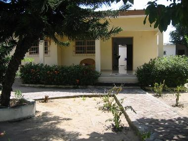 Holiday House in Grand Bassam (Grand-Bassam) or holiday homes and vacation rentals
