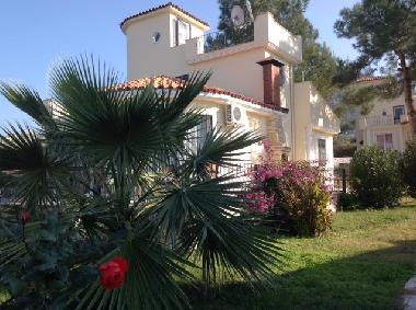 Holiday House in Güzelcamli (Aydin) or holiday homes and vacation rentals