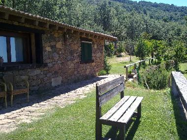 Bed and Breakfast in Candeleda (Ávila) or holiday homes and vacation rentals