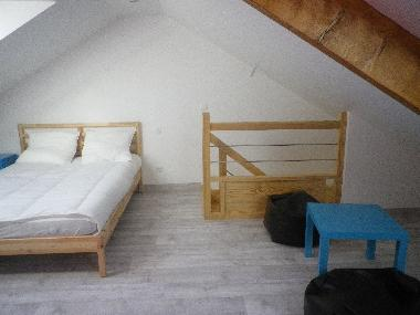 Upstairs bedroom (2 double beds)