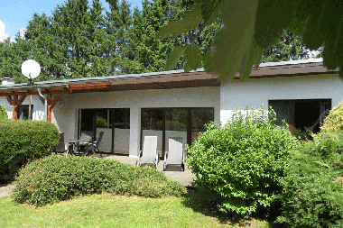 Holiday House in Serrahn (Mecklenburgische Seenplatte) or holiday homes and vacation rentals