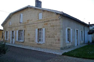 Holiday House in Castillon la Bataille (Gironde) or holiday homes and vacation rentals