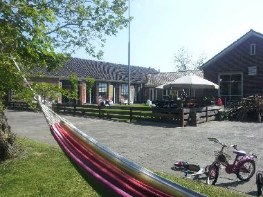 Holiday House in Metslawier (Friesland) or holiday homes and vacation rentals