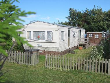 Chalet in Petten (Noord-Holland) or holiday homes and vacation rentals