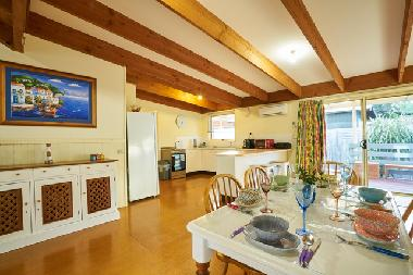 Holiday House in Sunset Strip (Victoria) or holiday homes and vacation rentals