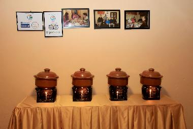 Sri Lankan clay pots buffet
